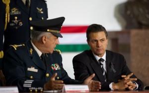 Con el General Secretario de la Defensa Nacional