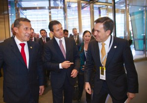 Con el presidente colombiano y el secretario mexicano de Economía