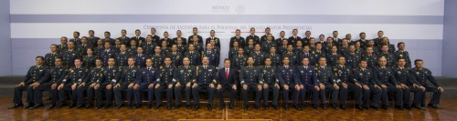 Con miembros del Estado Mayor Presidencial