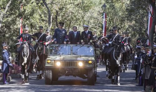 En Chapultepec, acompañado por los Secretarios de la Defensa y de la Marina