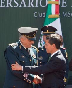 Felicitación al General Cienfuegos